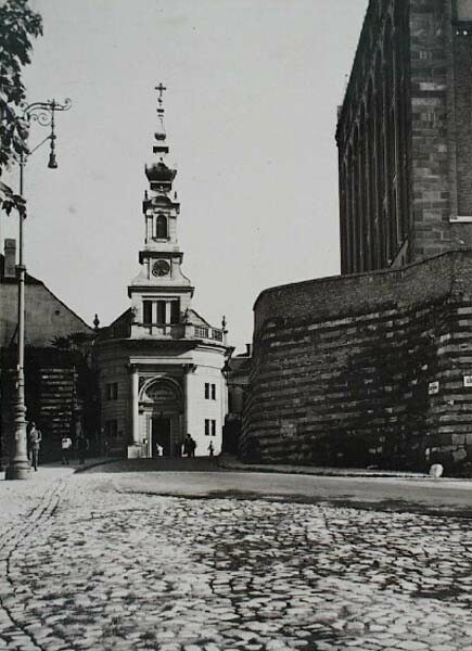 The Bécsi Gates sqaure with the Lutheran Church, around 1930