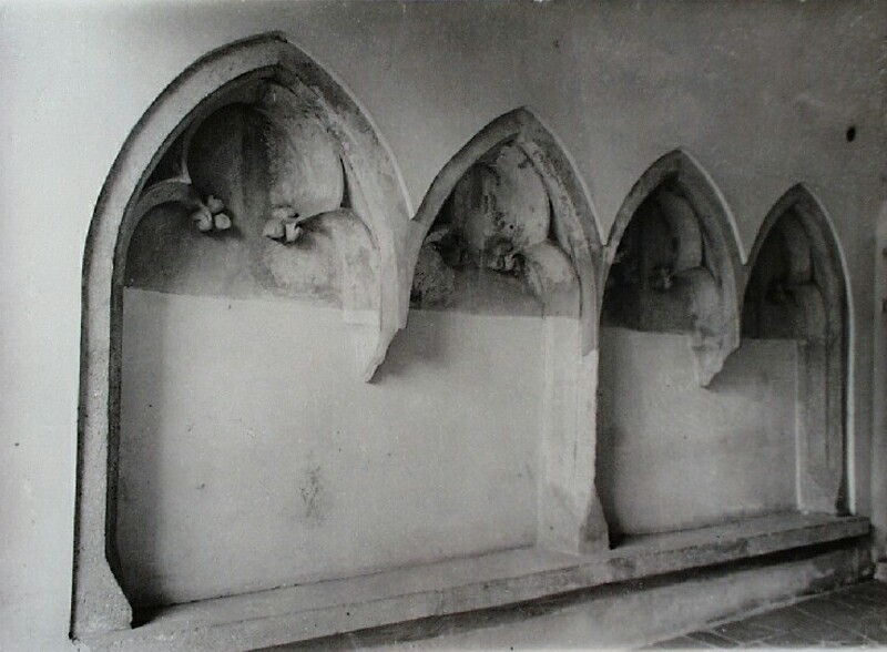 Gothic sitting niches in No. 9 Országház street, 1970s