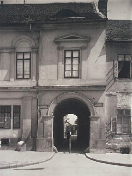 Passage to Balta köz, No. 19 Úri street, 1920s