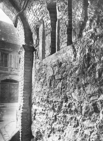 No. 19 Úri street, the Úri street end of Balta köz with the excavated medieval window opening, 1957