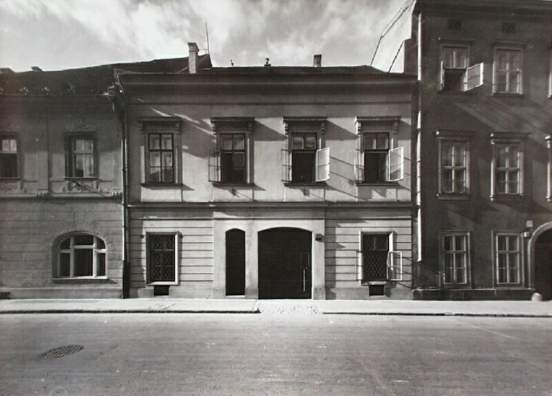 No. 34 Úri street, around 1940
