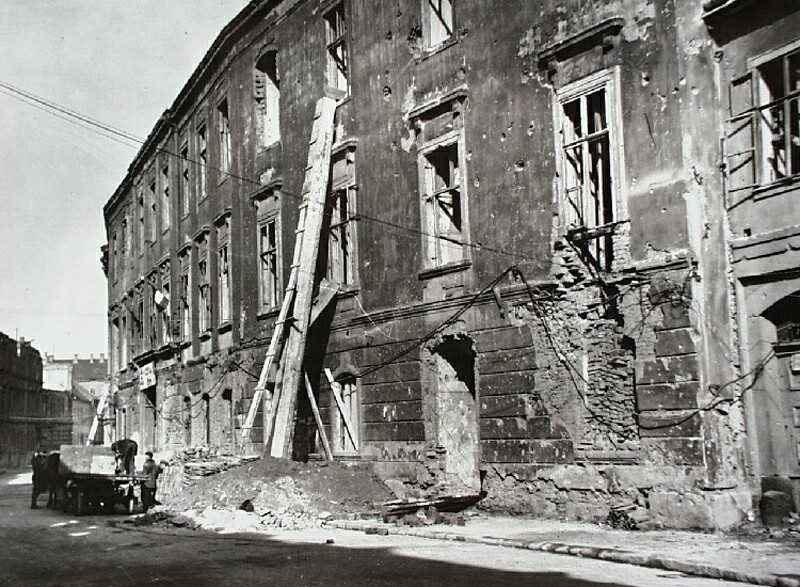 No. 49 Úri street in ruins, end of the 1940s