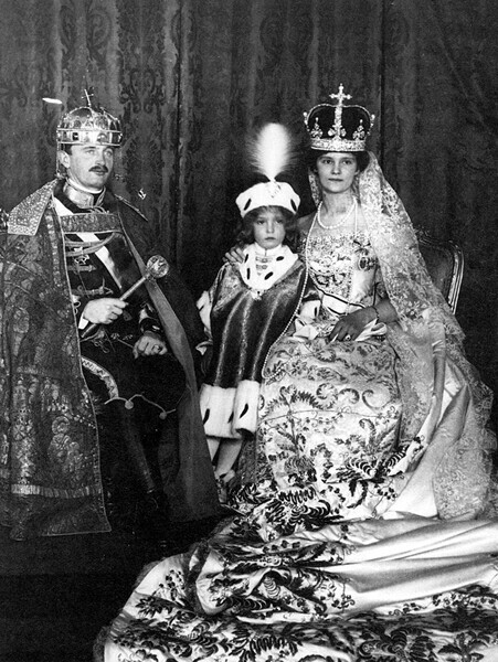 Charles IV and Queen Zita in 1916, after the coronation