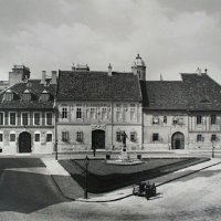 The Bécsi Gates square with the Kazinczy memorial fountain, around 1940