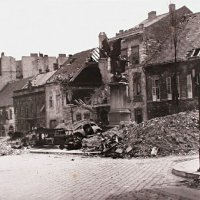 Dísz square in ruins, 1945