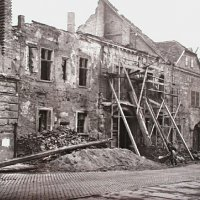 No. 10 Fortuna street in ruins, 1950