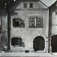 The entrance of No. 12 Fortuna street, 1930s