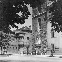 Hess András (Iskola) square with the building of the girls' school, 1920s