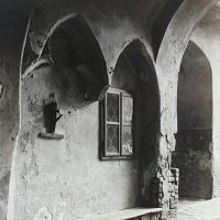 Wall niche in No. 26 Országház street, around 1940
