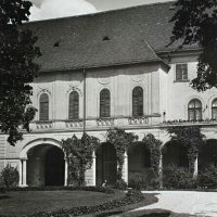 Courtyard of No. 28 Országház street, around 1930