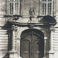 Entrance of No. 5 Tárnok street, 1910s