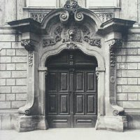 Entrance of No. 50 Úri street, around 1910