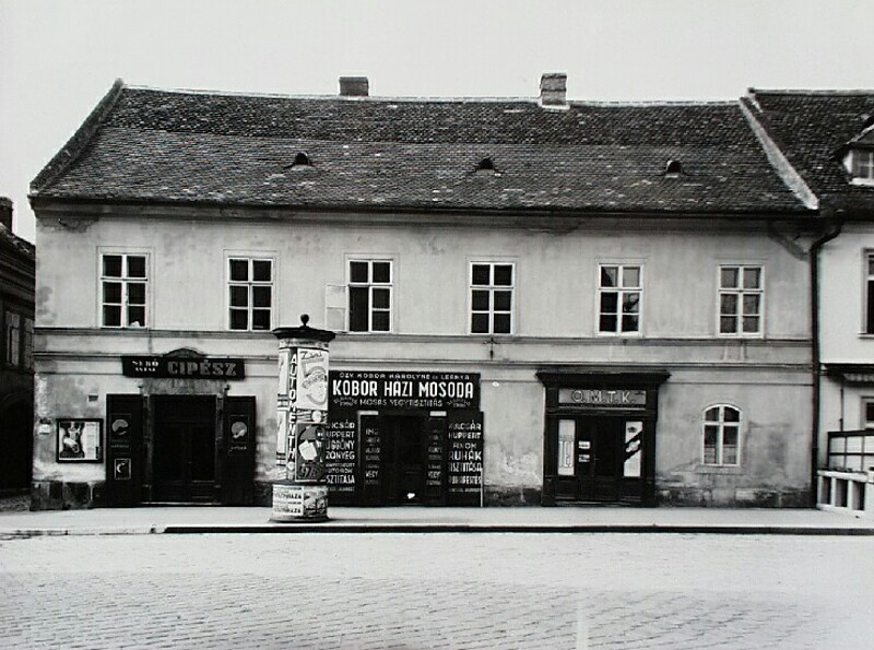 No. 18 Tárnok street, around 1940